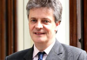 Lord Hill recommends UK listing reform